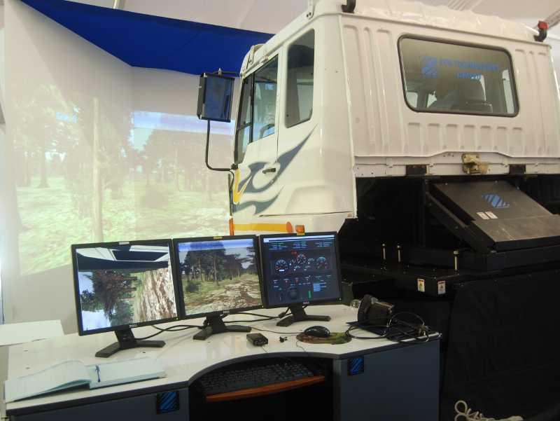 Vehicle-Driving-Simulator